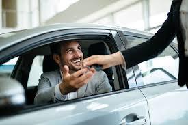 Meest essentiële dingen om te controleren voordat u een gebruikte auto koopt